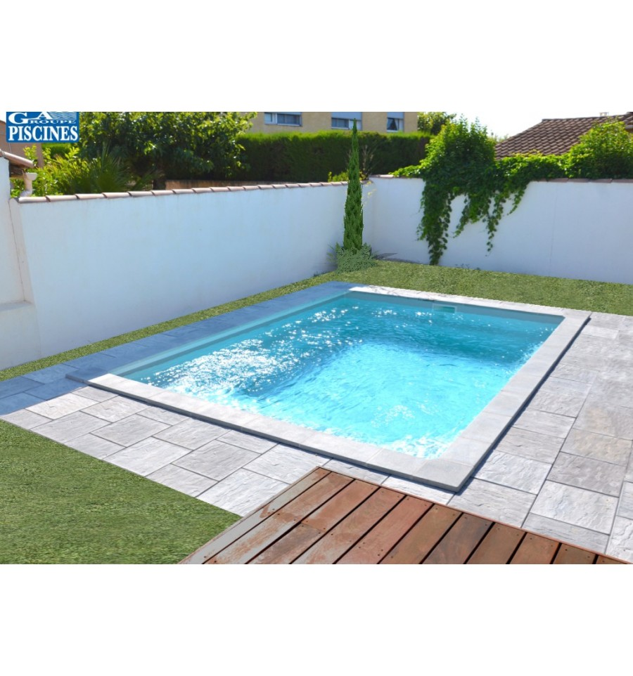 Piscine coque petite dimension aquanina pr te poser for Piscine coque debordement