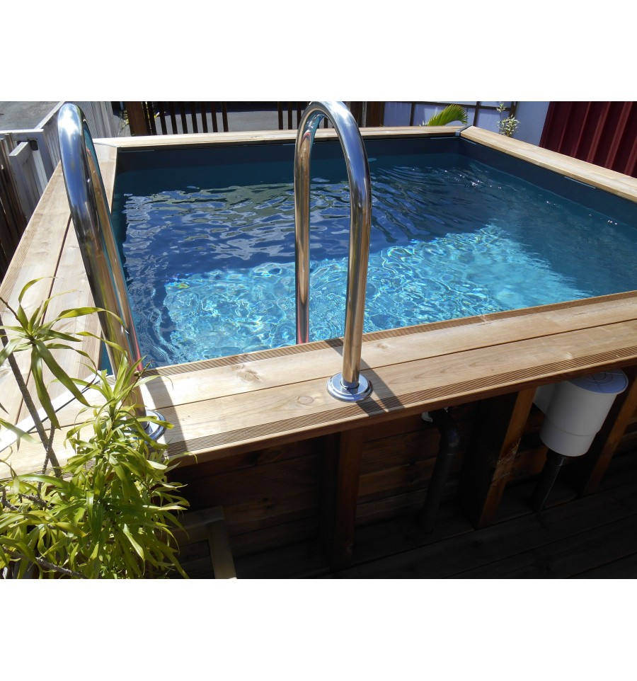 Piscine hors sol maeva 300 en bois carr e finition haute for Piscine carree semi enterree