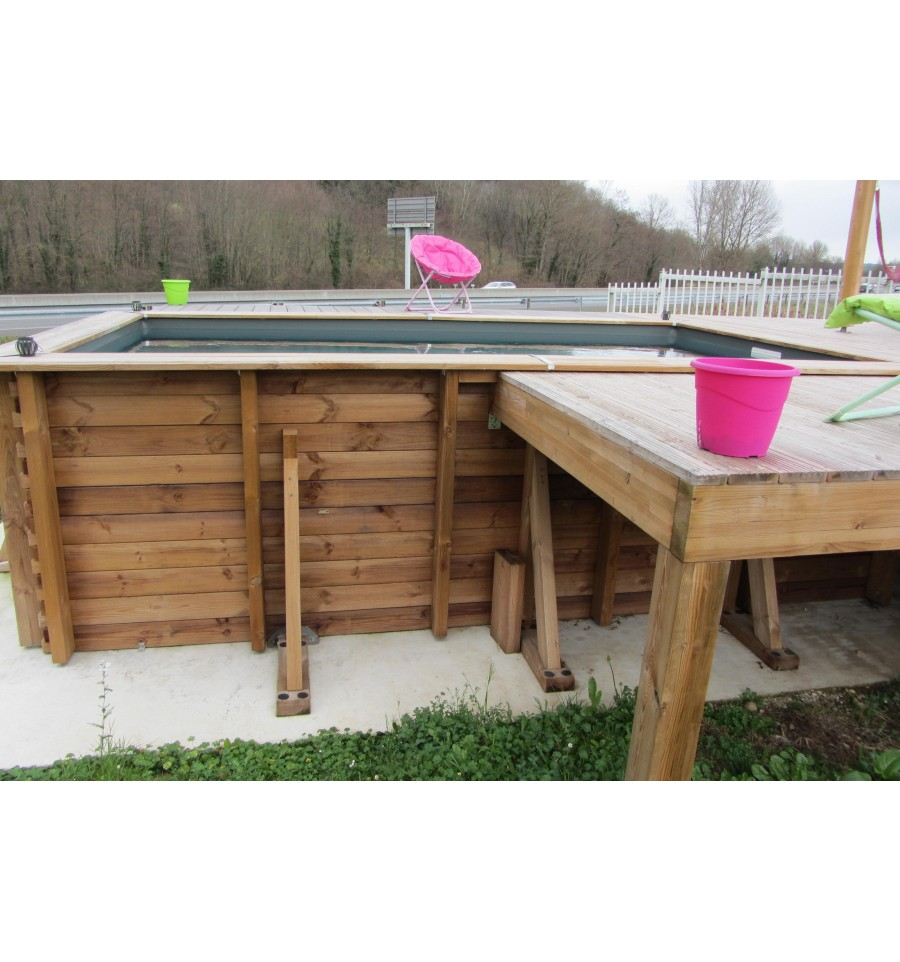 Piscine hors sol maeva 300 en bois carr e finition haute for Piscine en teck semi enterree