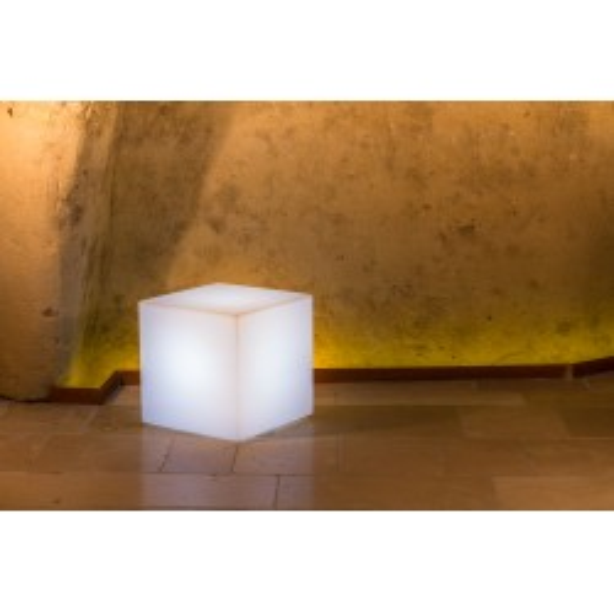 Cube lumineux YOUCUBE pour votre décoration extérieure
