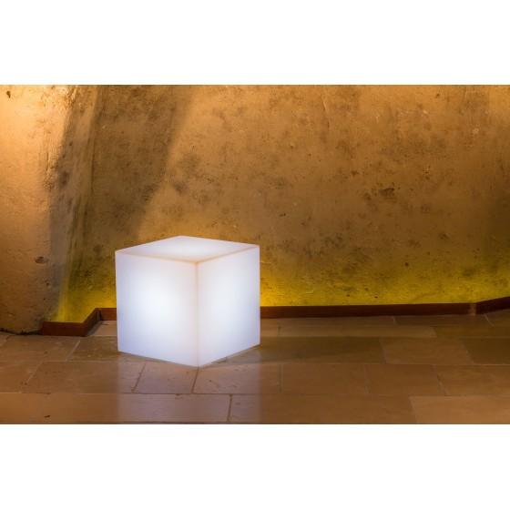 Cube lumineux YOUCUBE multi couleurs pour votre décoration extérieure